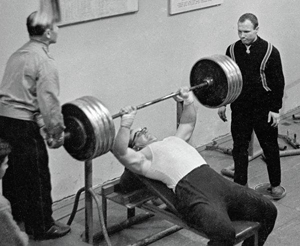 Юрий Власов о тренинге и возможностях